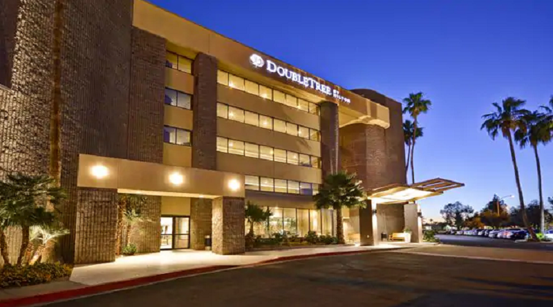 DoubleTree by Hilton Phoenix North - Black Owned