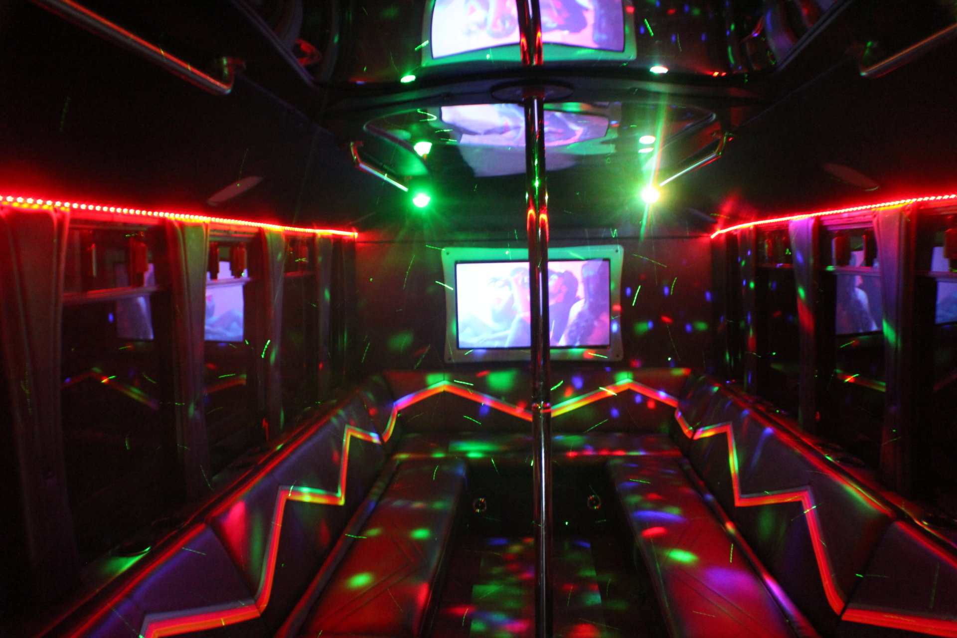 WOW PARTY BUS - Black Owned